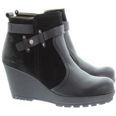 Yokono Women's Chicago 009 Black Wedge Ankle Boot