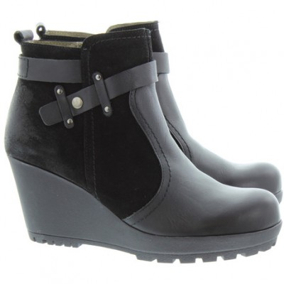 Yokono Women's Chicago 009 Black Wedge Ankle Boot