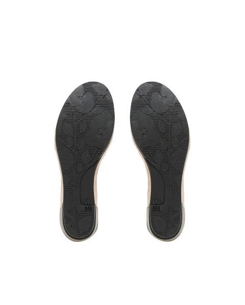 El Naturalista N5001 in Black